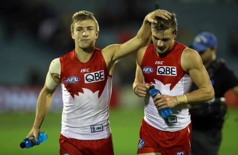 Brothers Kieren and Brandon after their Round 11 win over the Crows